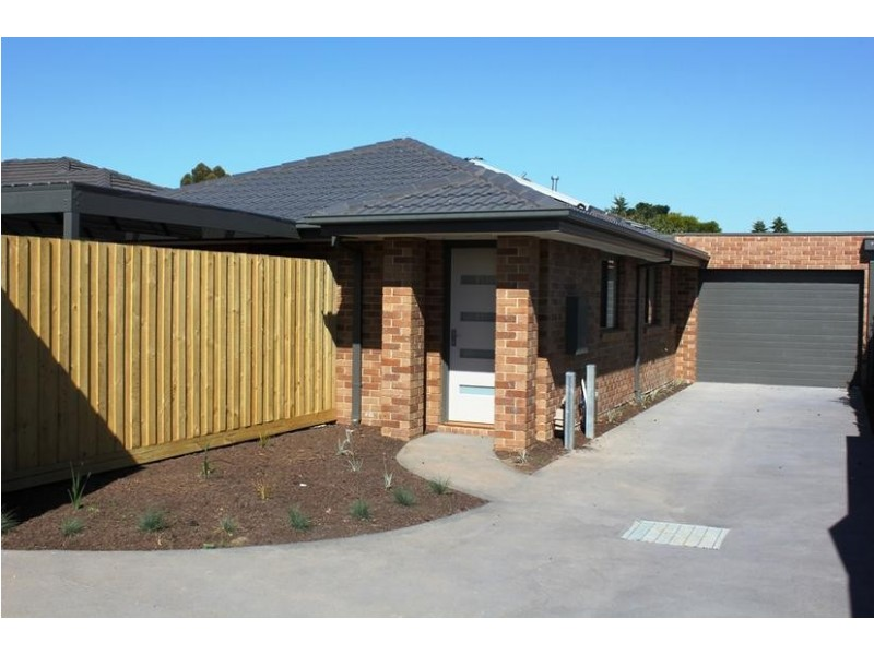 2/43 May Avenue, Altona Meadows VIC 3028
