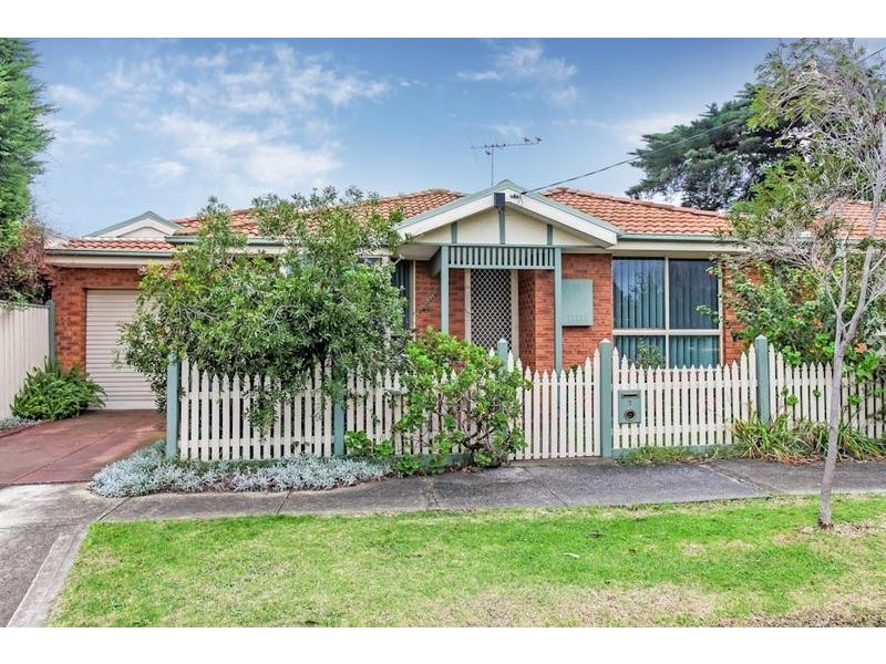 7 Park Parade, Altona VIC 3018