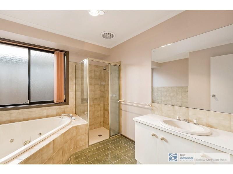 1 Munro Court, Altona Meadows VIC 3028