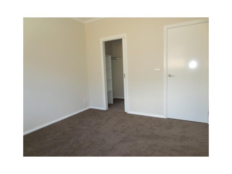 2/12 Seagull Avenue, Altona VIC 3018