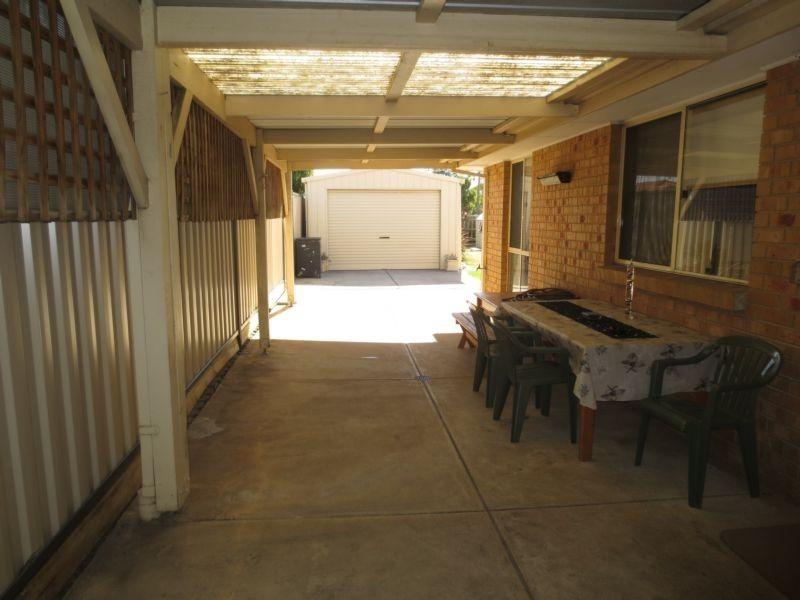 13 Graham Court, Altona Meadows VIC 3028