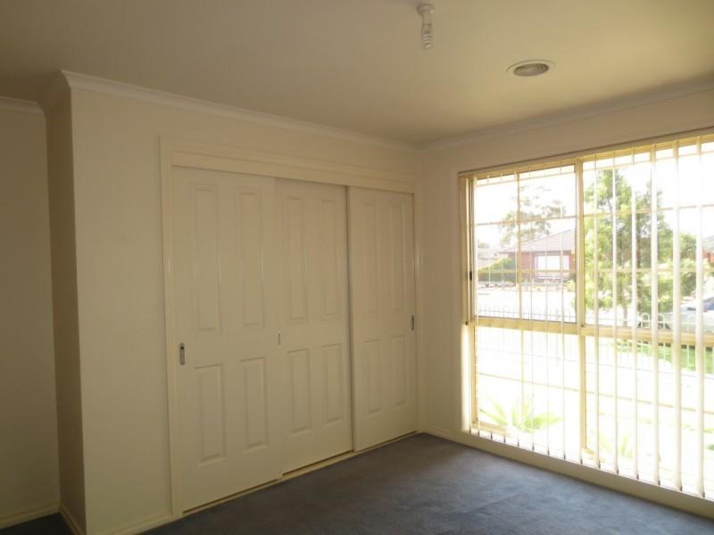 1/10 Sexton Court, Altona Meadows VIC 3028