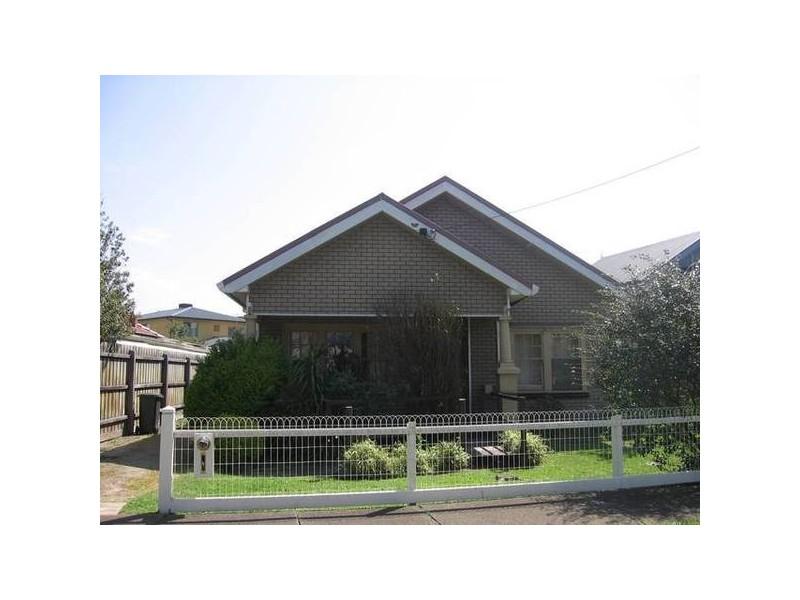 11 Seaview Crescent, Altona VIC 3018