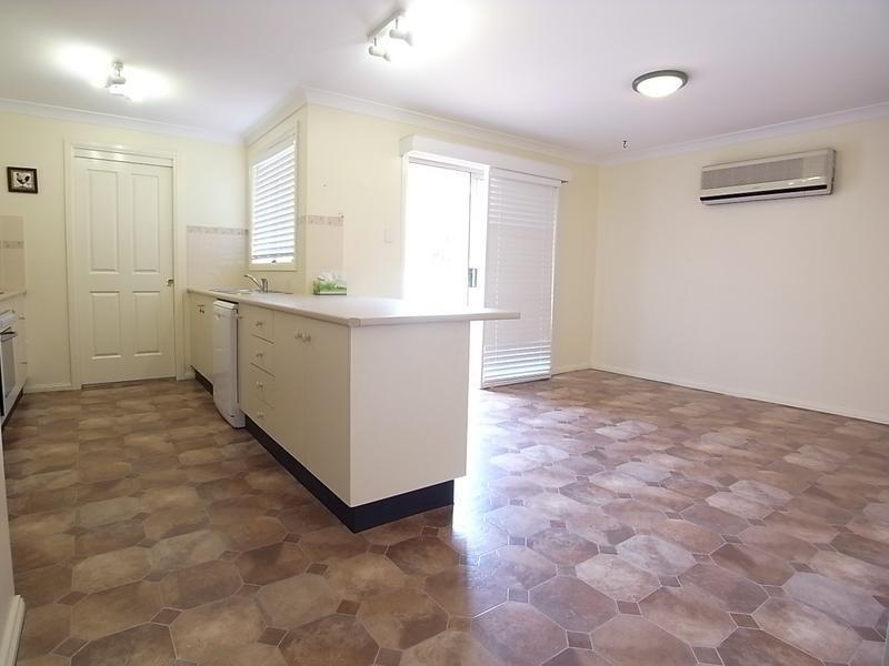 3 Wattle Street, Aberdeen NSW 2336