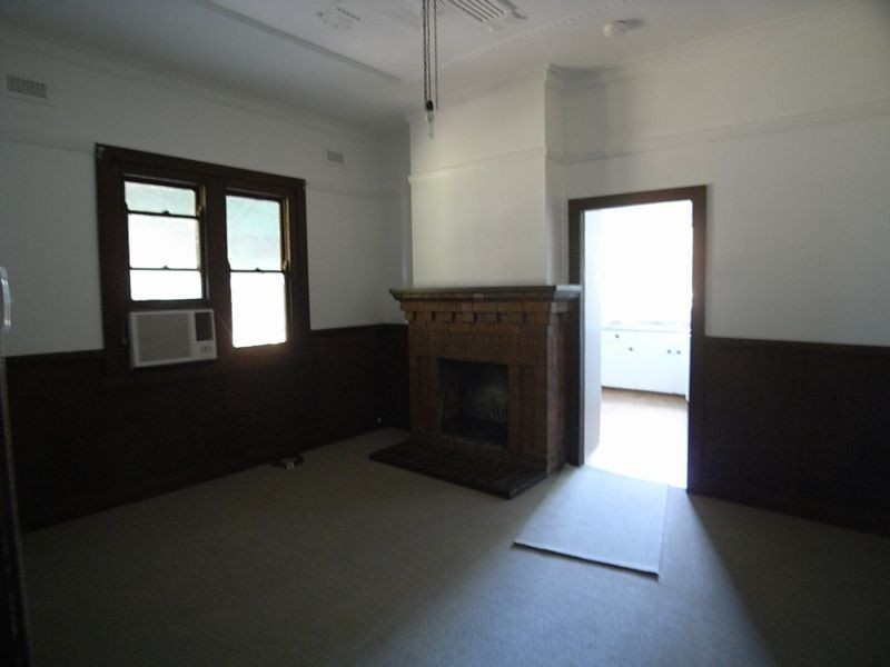 16 hall street, Aberdeen NSW 2336