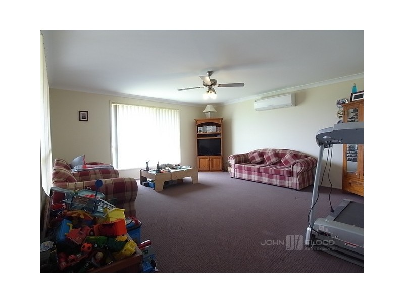 11 Alexander Close, Aberdeen NSW 2336
