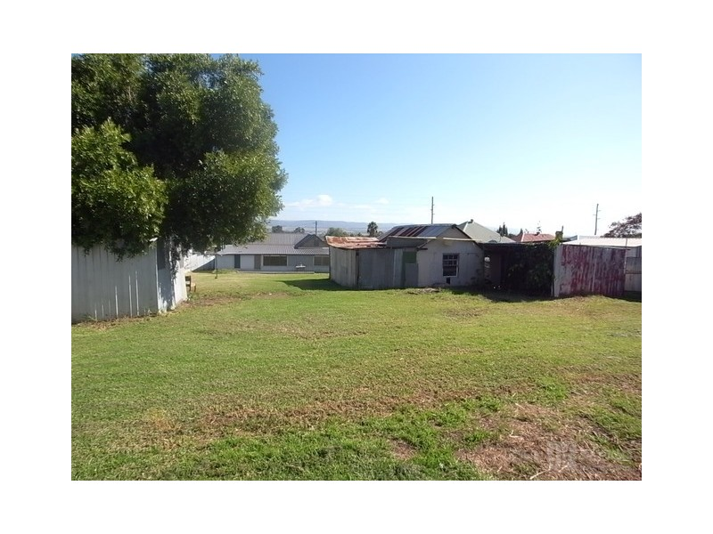16 Mount Street, Aberdeen NSW 2336