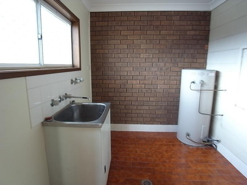 2/104 Bedford Street, Aberdeen NSW 2336