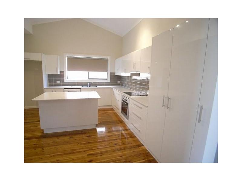 11 Mackenzie Street, Aberdeen NSW 2336