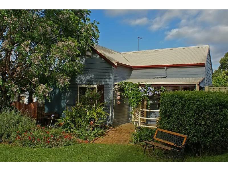 9 Short Street, Aberdeen NSW 2336