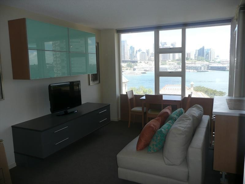 2-4 East Crescent Street, Mcmahons Point NSW 2060