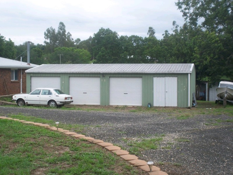 33 Brisbane Valley Highway, Blacksoil QLD 4306
