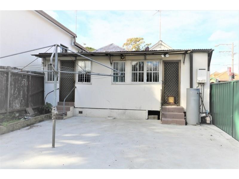 2/ 37 Holden Street, Ashfield NSW 2131