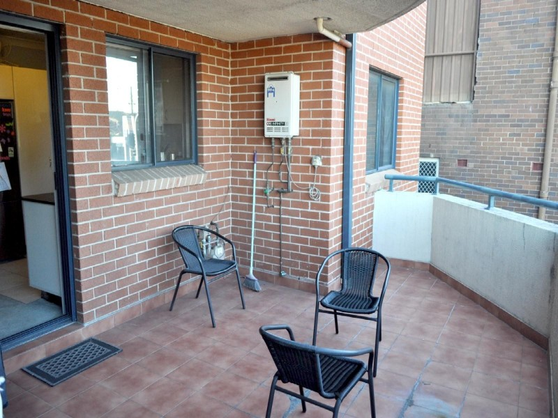 8/37 charlotte, Campsie NSW 2194