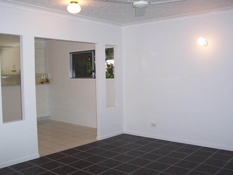 3/8 Regent Street, Hyde Park QLD 4812