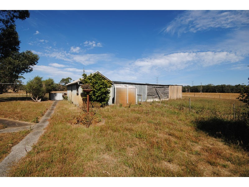 100 Golfcourse Road, Heywood VIC 3304