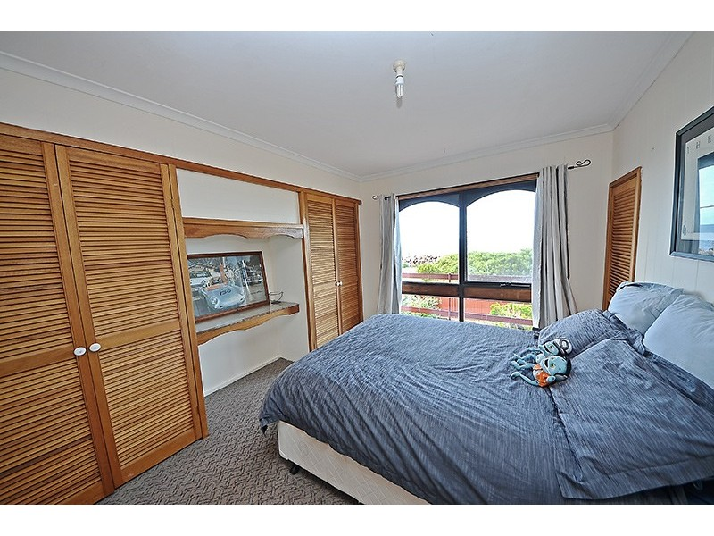 15 Beach Road, Allestree VIC 3305