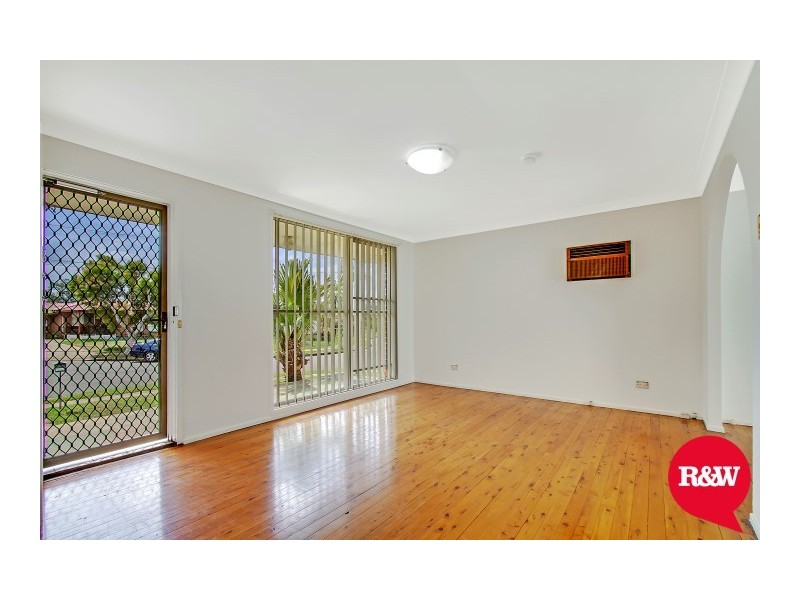 1 Miax Place, Dharruk NSW 2770