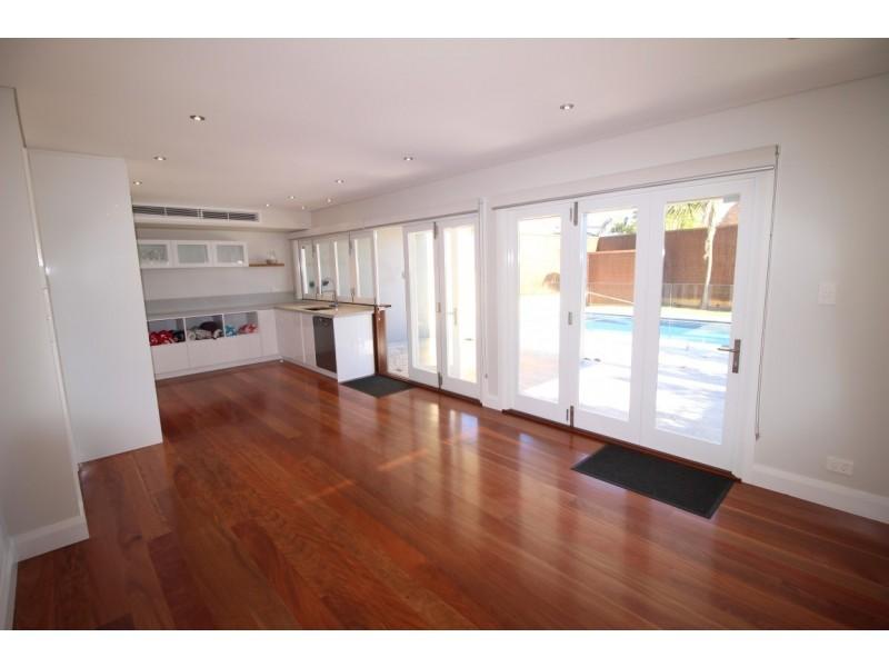 35 St Albans, Abbotsford NSW 2046