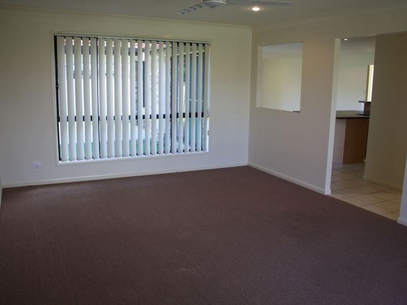 4 Undanbi Place, Pelican Waters QLD 4551