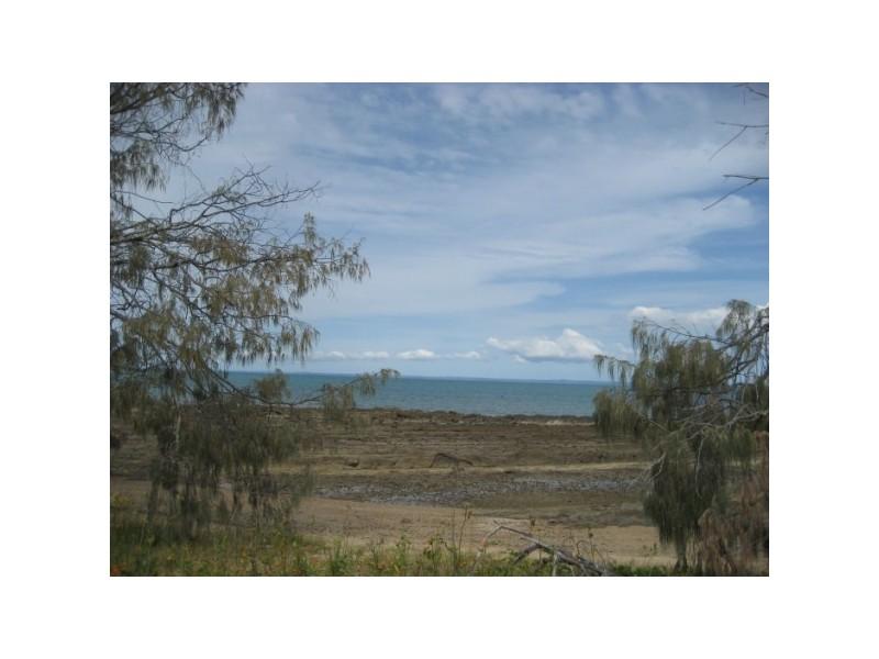 141 Esplanade, Point Vernon QLD 4655
