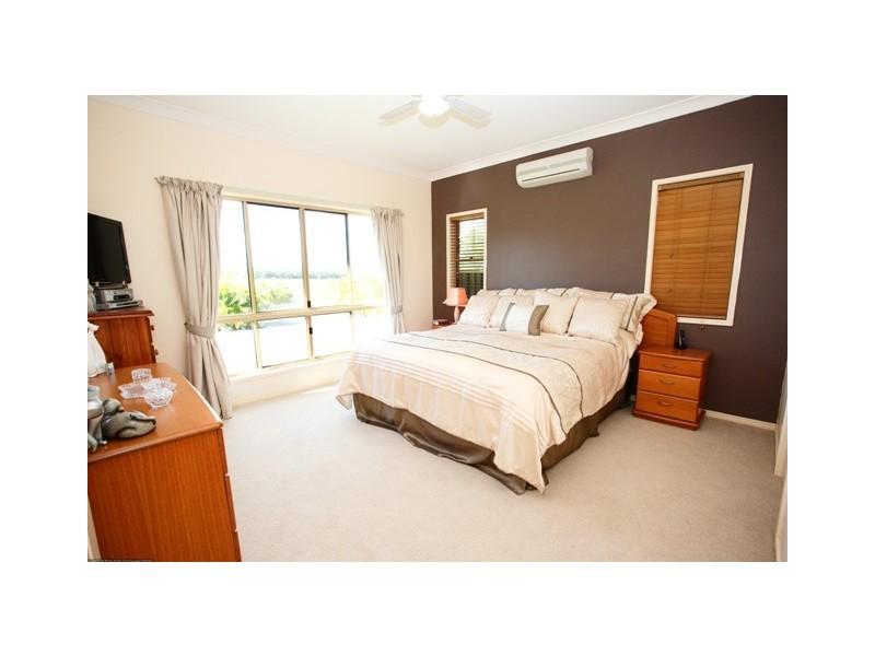 27 Oakes Drive, Burrum Heads QLD 4659