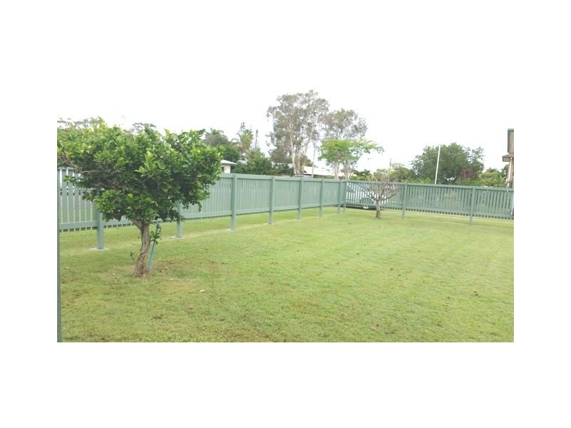 13 LONG ST, Point Vernon QLD 4655