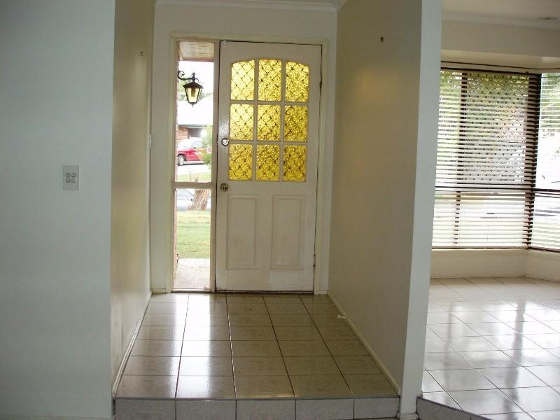 9 Stormbridge Court, Daisy Hill QLD 4127