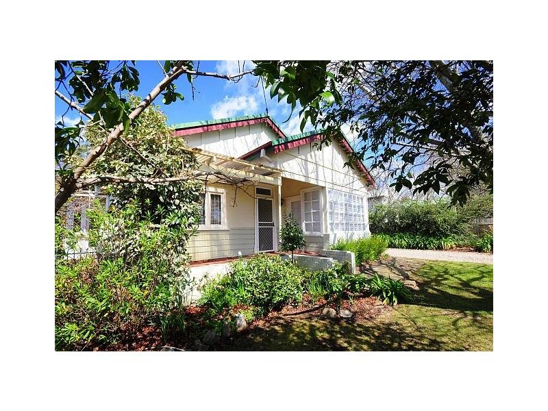 15 Warenda Street, Bowral NSW 2576