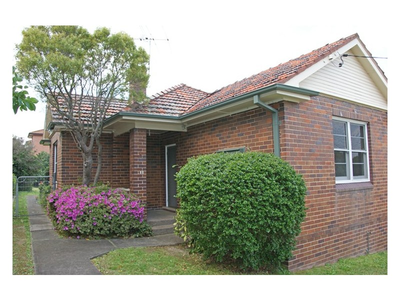 32 Vicliffe Avenue, Campsie NSW 2194