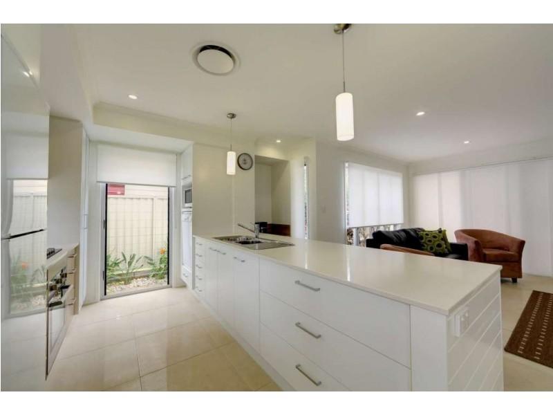 Unit 1, 8 Holland Street, Bargara QLD 4670