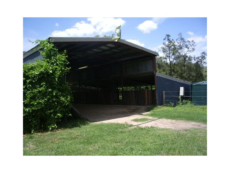 19 Pittionis Rd., Netherdale QLD 4756