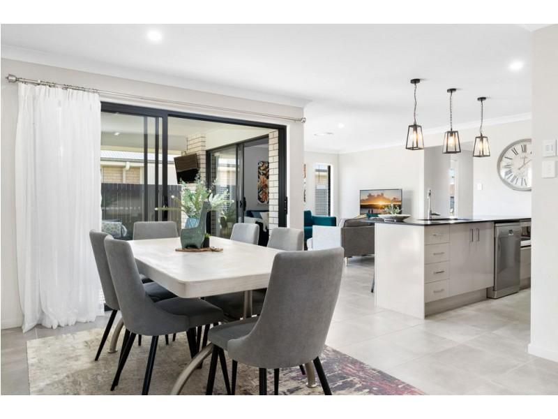 9 Rowden Street, Beachmere QLD 4510