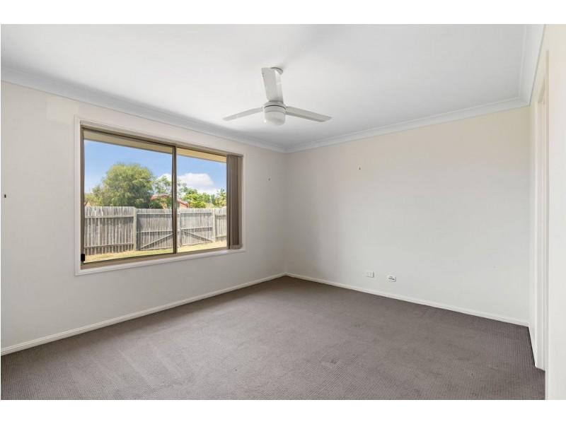 1 Siska Court, Beachmere QLD 4510