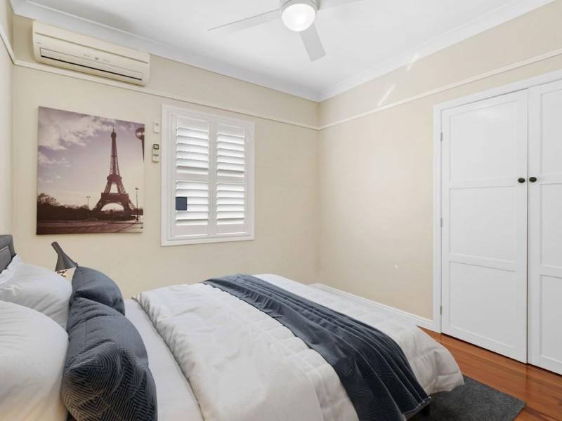 16 Eskgrove Street, East Brisbane QLD 4169