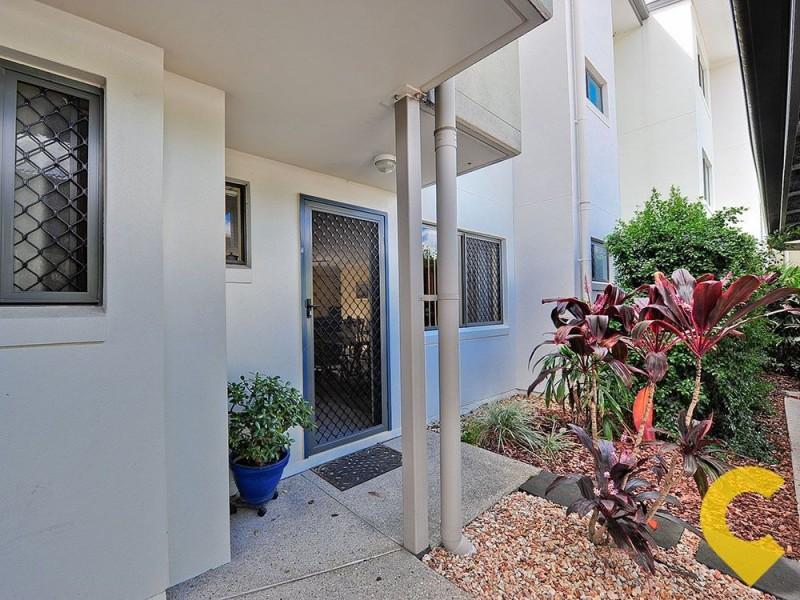 2/66 University Drive, Meadowbrook QLD 4131