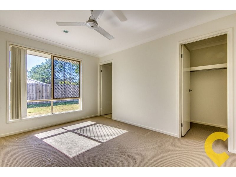 10 Lachlan Lane, Hillcrest QLD 4118