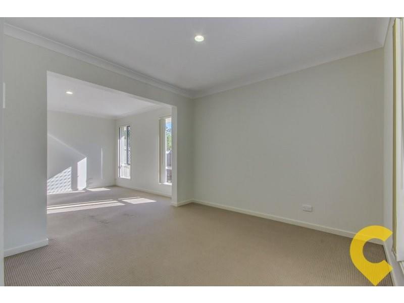 18 Lachlan Lane, Hillcrest QLD 4118