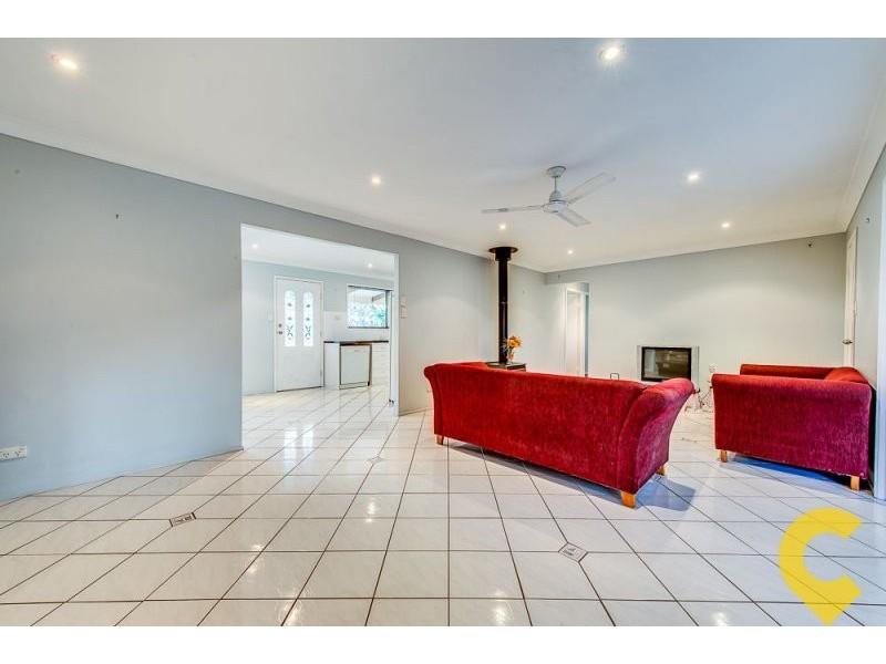 38 Island View Street, Barellan Point QLD 4306
