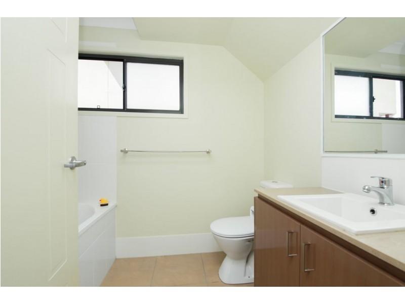 36 Hillsborough Place, Pimpama QLD 4209