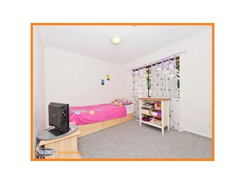 53 Lobelia Ave, Daisy Hill QLD 4127