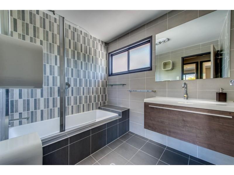 372 Old Logan Road, Camira QLD 4300