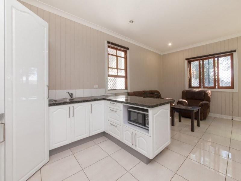 12 Ekibin Road, Annerley QLD 4103