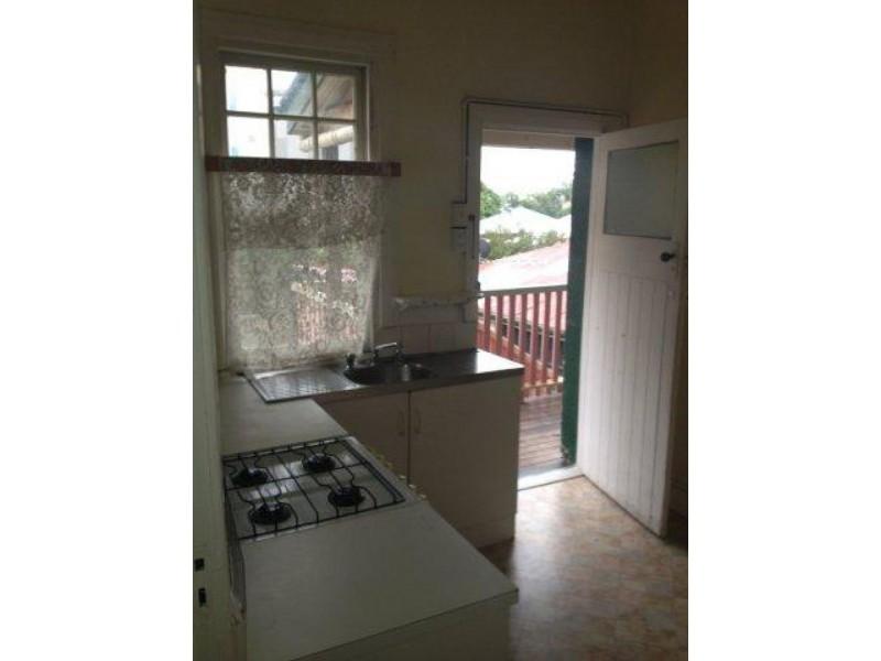 2/334 Sandgate Road, Albion QLD 4010