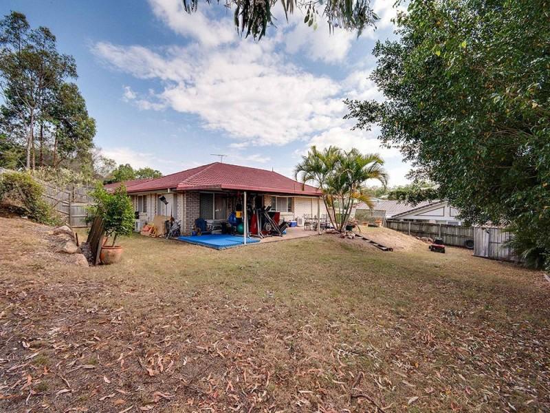 7 Arlington Drive, Arana Hills QLD 4054