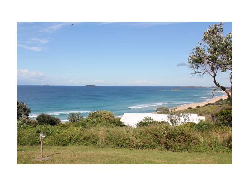 42 Ocean St, Woolgoolga NSW 2456