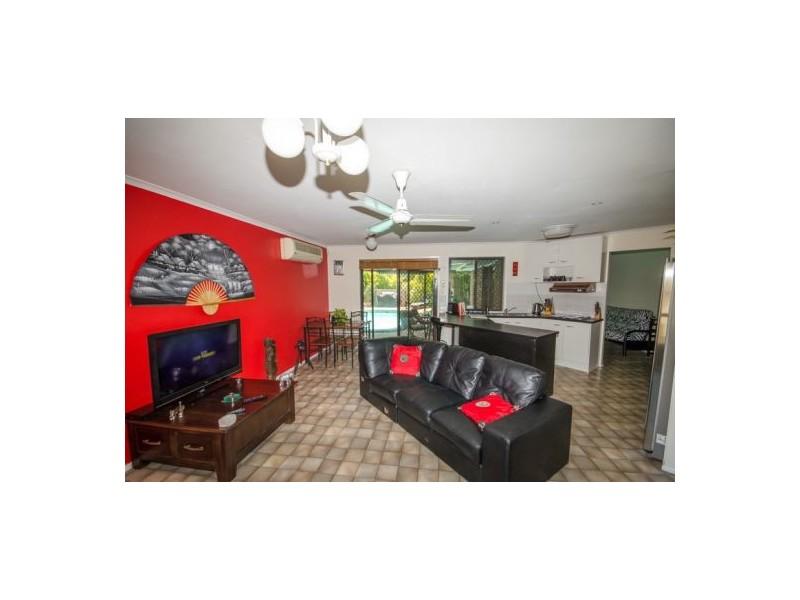 30 Open Drive, Arundel QLD 4214