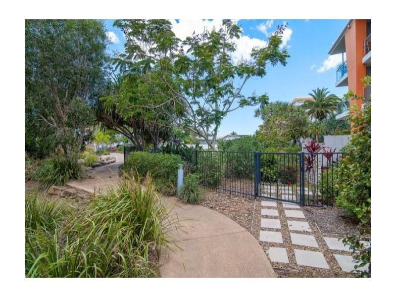 223/64-68 Sickle Avenue, Hope Island QLD 4212