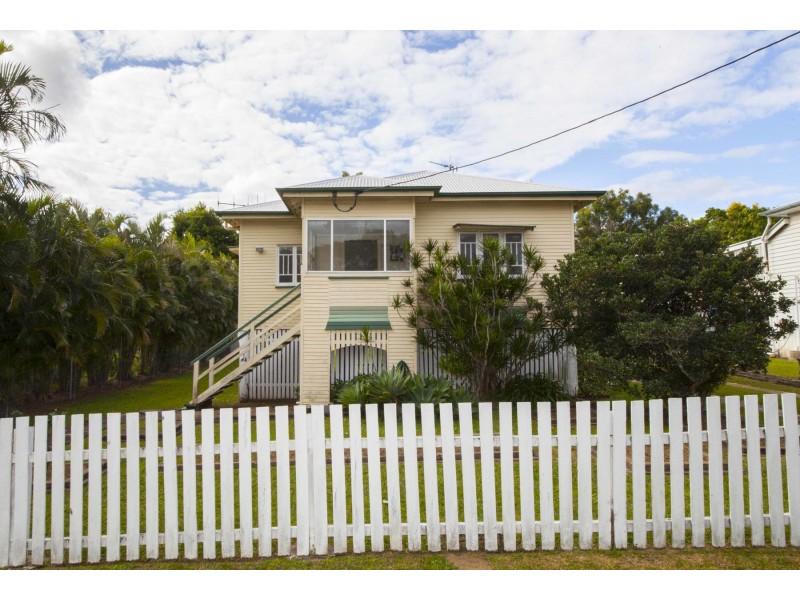 8 Pearson Street, Granville QLD 4650