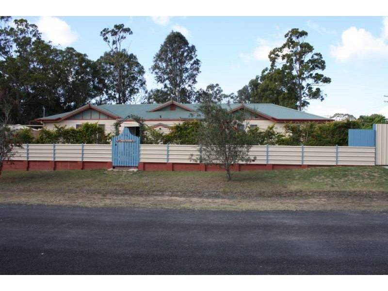 65 Lenthall Street, Aldershot QLD 4650